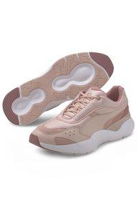 Puma - LIA TONAL - Sneaker low - peachskin-foxglove - 3