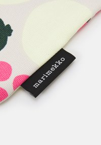 Marimekko - NOTKO PIENI TORI - Shopping bag - off white/green/pink - 3