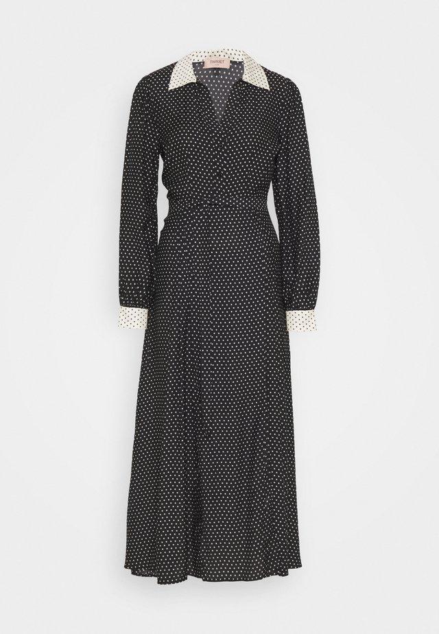 Maxi dress - nero/neve