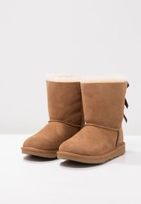 UGG - BAILEY BOW II - Lace-up ankle boots - chestnut - 2