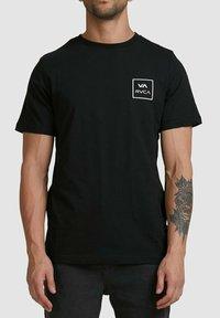 RVCA - ALL THE WAYS - Print T-shirt - black - 3