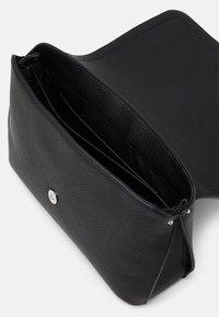 Calvin Klein - Sac à main - black - 2