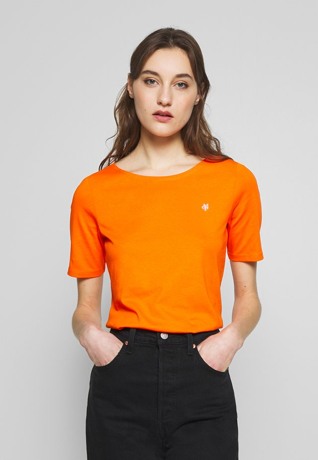 SHORT SLEEVE ROUNDNECK - Basic T-shirt - fresh carrot