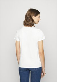Levi's® - THE PERFECT TEE - T-shirts med print - white - 4