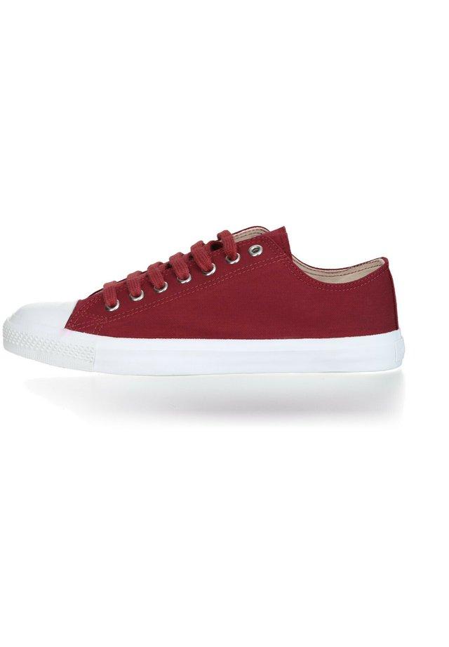 FAIR - Sneakers laag - true blood