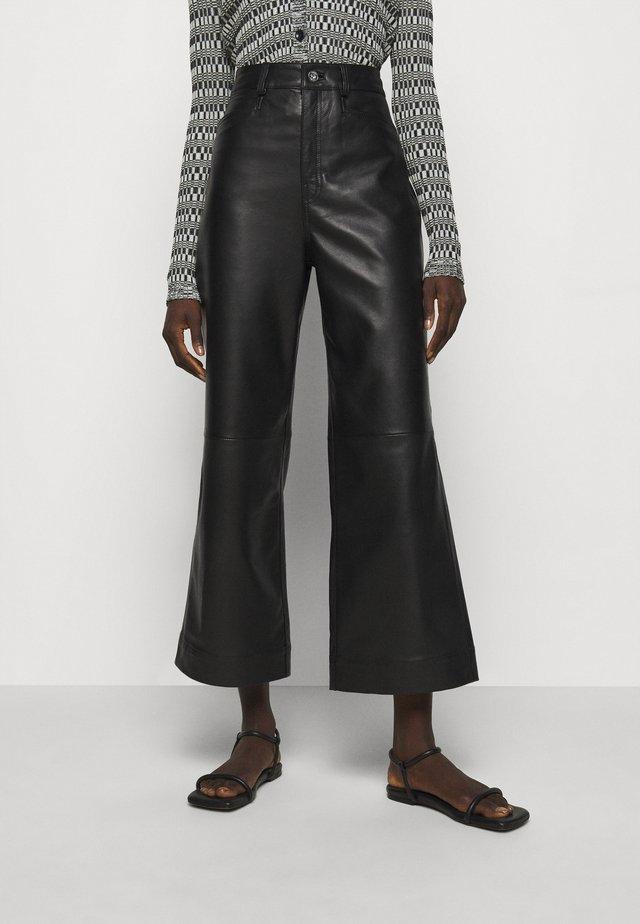 LIGHTWEIGHT CULOTTES - Pantaloni di pelle - black