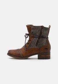 Mustang - Šněrovací kotníkové boty - cognac - 1
