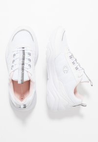 Champion - SHOE MENDEZ - Neutral running shoes - white - 1