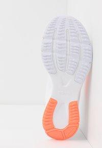 adidas Performance - NOVA FLOW - Neutrální běžecké boty - footwear white/signal coral - 4