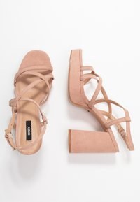 ONLY SHOES - ONLAERIN HEELED CROSSOVER  - Sandali con tacco - nude - 3