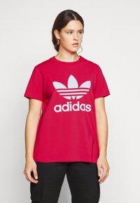 adidas Originals - TREFOIL TEE - T-shirts print - power pink/white - 0