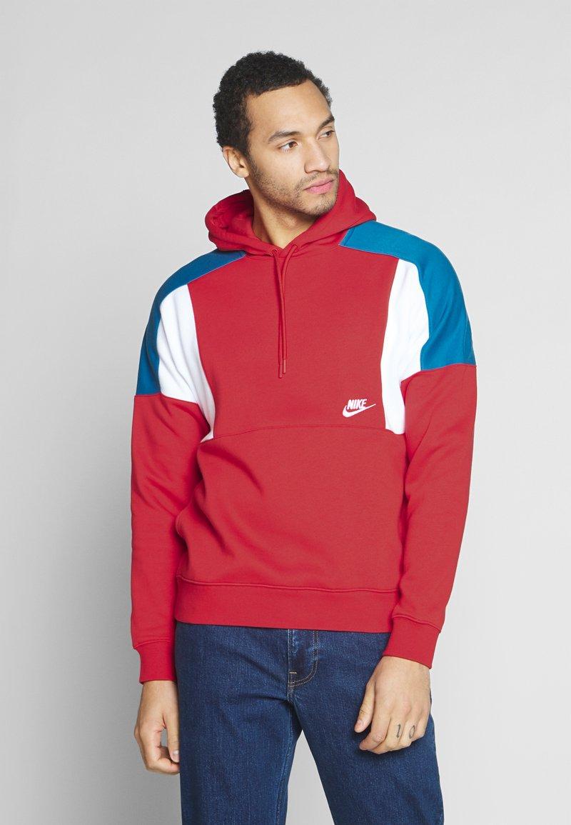 Nike Sportswear - HOODIE - Bluza z kapturem - university red/white/industrial blue