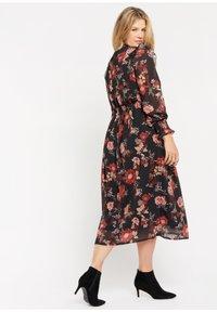 LolaLiza - Maxi dress - red - 3
