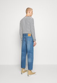 Levi's® - STAY LOOSE DENIM CROP - Jeans Relaxed Fit - blue denim - 2