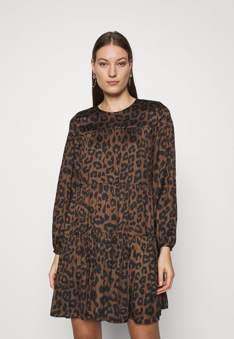 Banana Republic - TIE NECK SHIFT PRINT - Day dress - brown