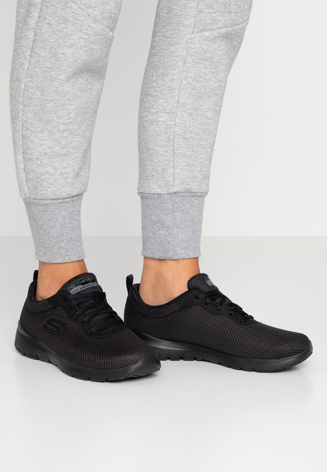 WIDE FIT FLEX APPEAL 3.0 - Trainers - black