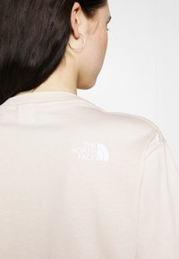 The North Face - ZUMU TEE - T-shirt con stampa - pink tint - 3