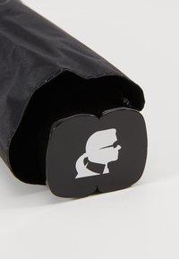 KARL LAGERFELD - K/IKONIK KARL PRINT UMBRELLA - Umbrella - black - 2