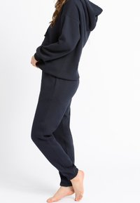 Chelsea Peers - NYC LOUNGE - Tracksuit bottoms - navy - 2