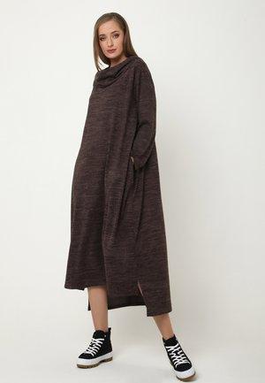 ADELINARA - Jumper dress - braun