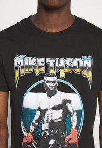 Nominal - MIKE TYSON TEE - Print T-shirt - black - 4