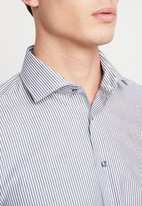 Seidensticker - SLIM SPREAD  - Formal shirt - dark blue - 3