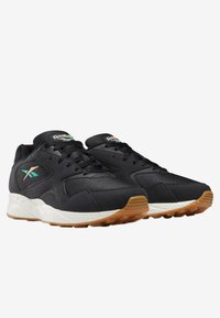Reebok Classic - TORCH HEX SHOES - Trainers - black - 2