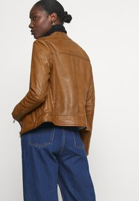 Oakwood - LINA - Leather jacket - cognac - 3
