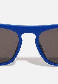 Calvin Klein Jeans - Sunglasses - matte blue - 4