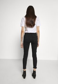 New Look Petite - LIFT AND SHAPER - Jeans Skinny Fit - black - 2