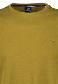 LERROS - MIT RUNDHALSAUSSCHNITT  - Basic T-shirt - oily yellow - 2