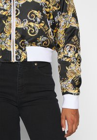 Versace Jeans Couture - Bomber Jacket - nero - 9
