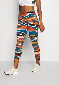 Sweaty Betty - POWER 7/8 WORKOUT LEGGINGS - Tights - orange hills print - 0