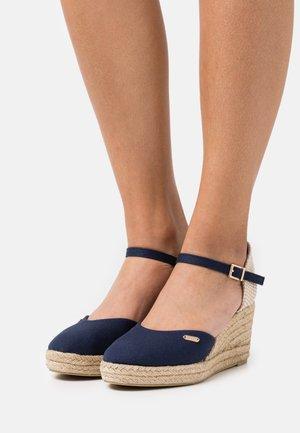 VERA WEDGE - Korkeakorkoiset sandaalit - dark blue