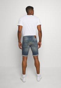 Cars Jeans - BECKER - Denim shorts - lion wash - 2