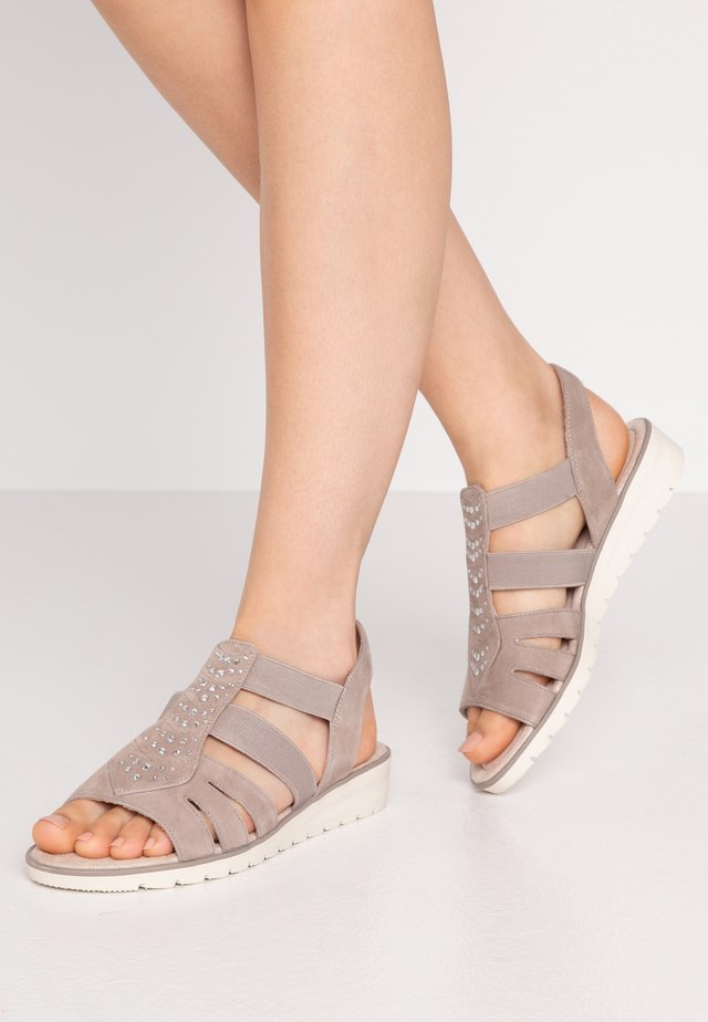 Sandalias de cuña - light grey