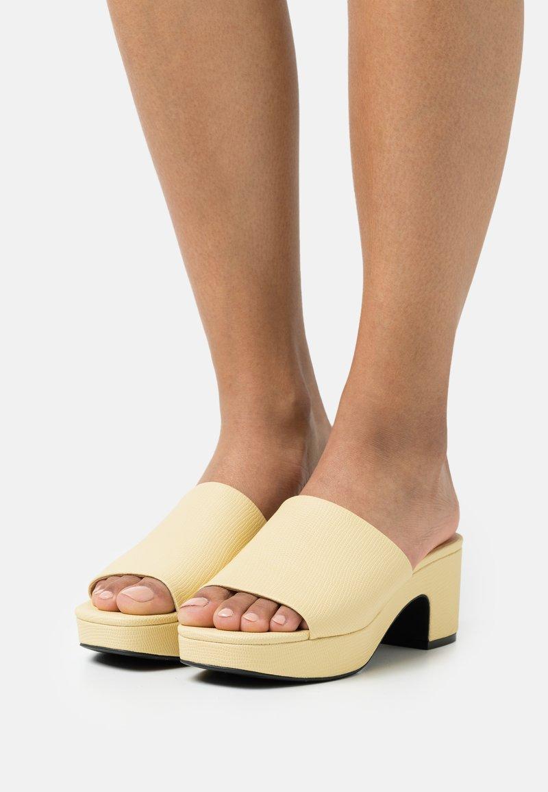 Monki - Heeled mules - yellow dusty