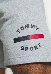 Tommy Sport - PRINTED SHORT - Korte broeken - grey - 4