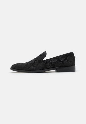 ALBERT - Scarpe senza lacci - black