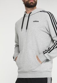 adidas Performance - Mikina s kapucí - medium grey heather/black - 5
