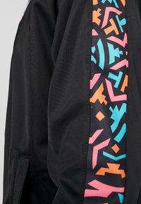 Mitchell & Ness - NBA SAN ANTONIO SPURS TRACK JACKET - Træningsjakker - black - 6