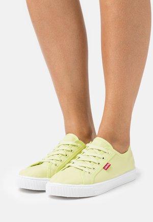 MALIBU BEACH  - Sneakers basse - light green