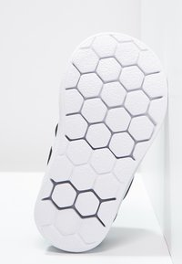 adidas Originals - SUPERSTAR 360  - Półbuty wsuwane - core black/white - 4