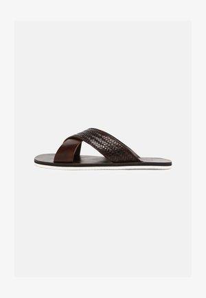 Pantofle - mid brown