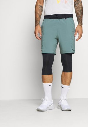 RUN ANYWHERE 2-IN-1 LONG - Pantalón corto de deporte - lichen blue