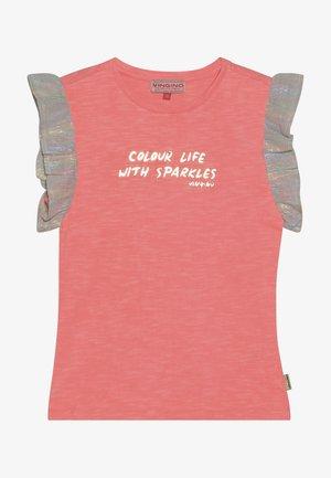 HIVAE - T-shirt med print - neon peach
