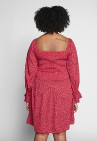 Simply Be - SHIRRED SKATER DRESS - Denní šaty - red - 2