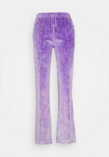 TINA TRACK PANTS - Joggebukse - pastel lilac acid wash