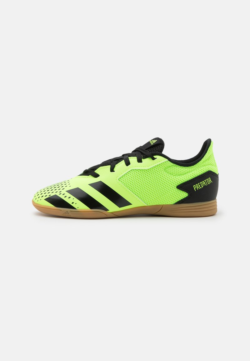 adidas Performance - PREDATOR 20.4 FOOTBALL SHOES INDOOR UNISEX - Indoor football boots - signal green/core black