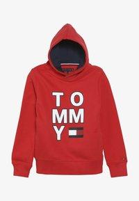 Tommy Hilfiger - MULTI GRAPHIC HOODIE - Bluza z kapturem - red - 3